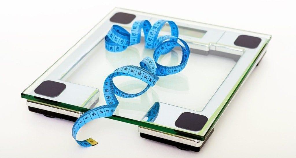 medidas - balanca e fita metrica podem ser suas aliadas