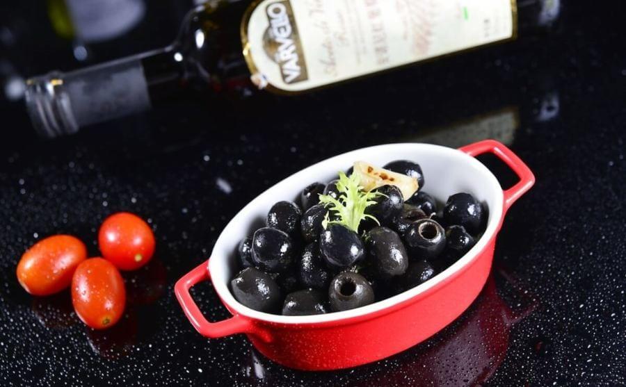 O Azeite Extravirgem É Rico Em Antioxidantes E Vitamina E, Que Ajudam A Combater A Oxidação
